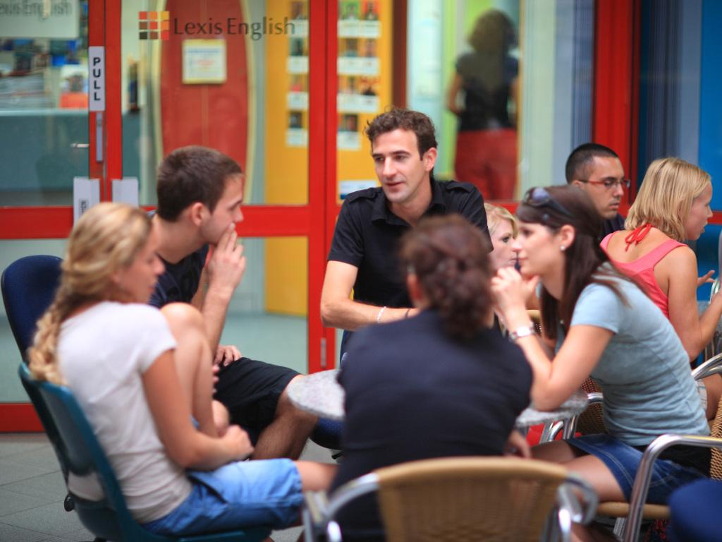 58b326ec0e__1. Lexis photo of students in common area.jpg